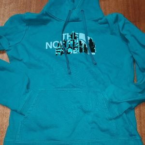 👸👕🧣 The North Face Hooded Sweatshirt